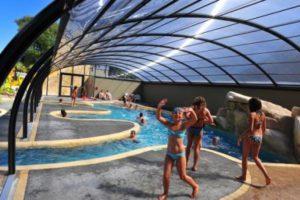 La piscine chauffée du camping les Dinosaures à Talmont St Hilaire