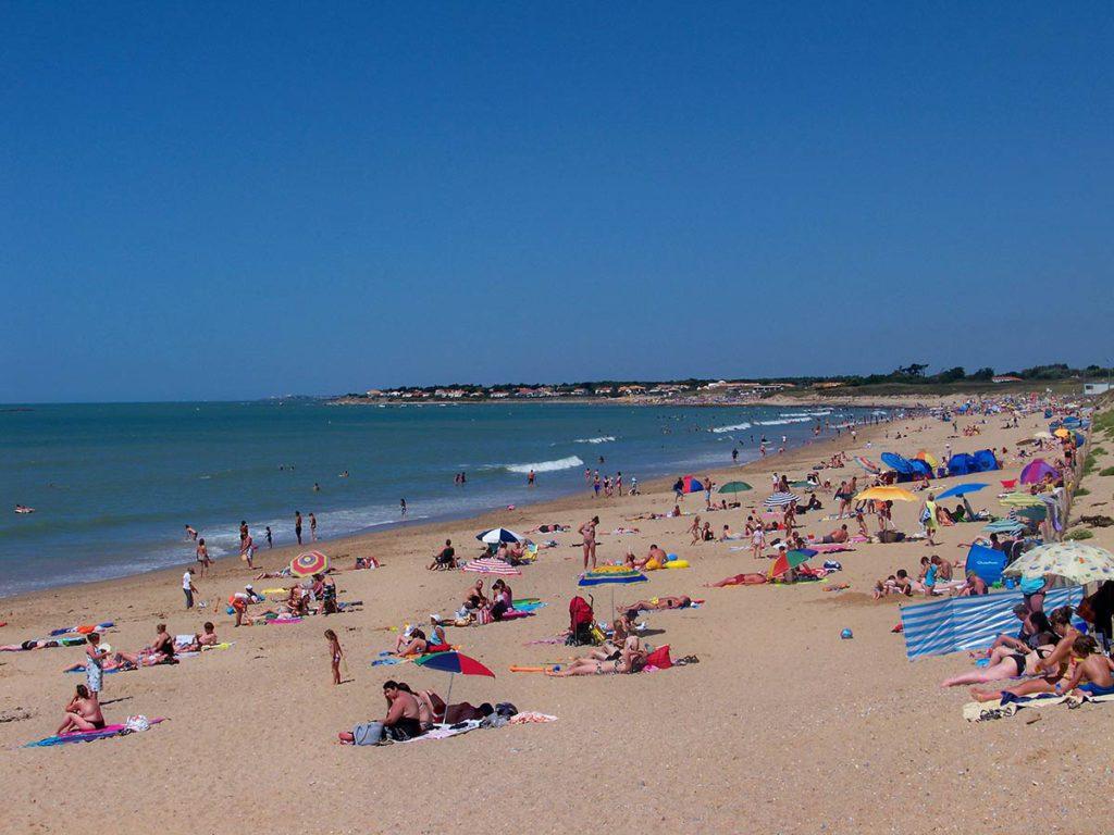 la plage des dunes près du camping