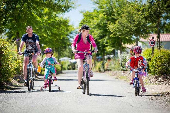 camping avec accès direct plage à vélo