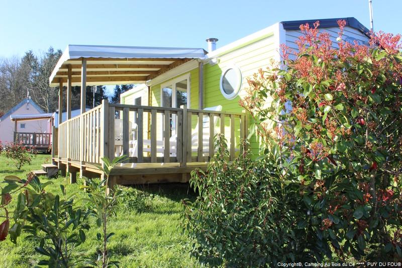 Camping Puy Du Fou  Vendee Parc Aquatique Couvert Ds Le  Avril